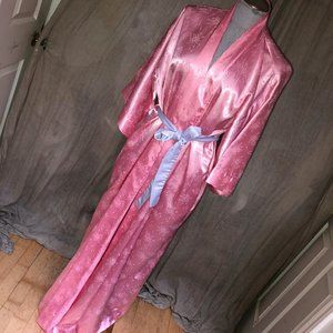 Christian Dior Old Hollywood Glamour robe pink